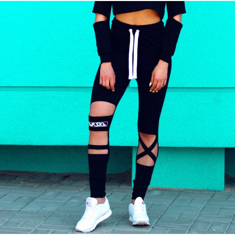 BLACK PANTS CUT